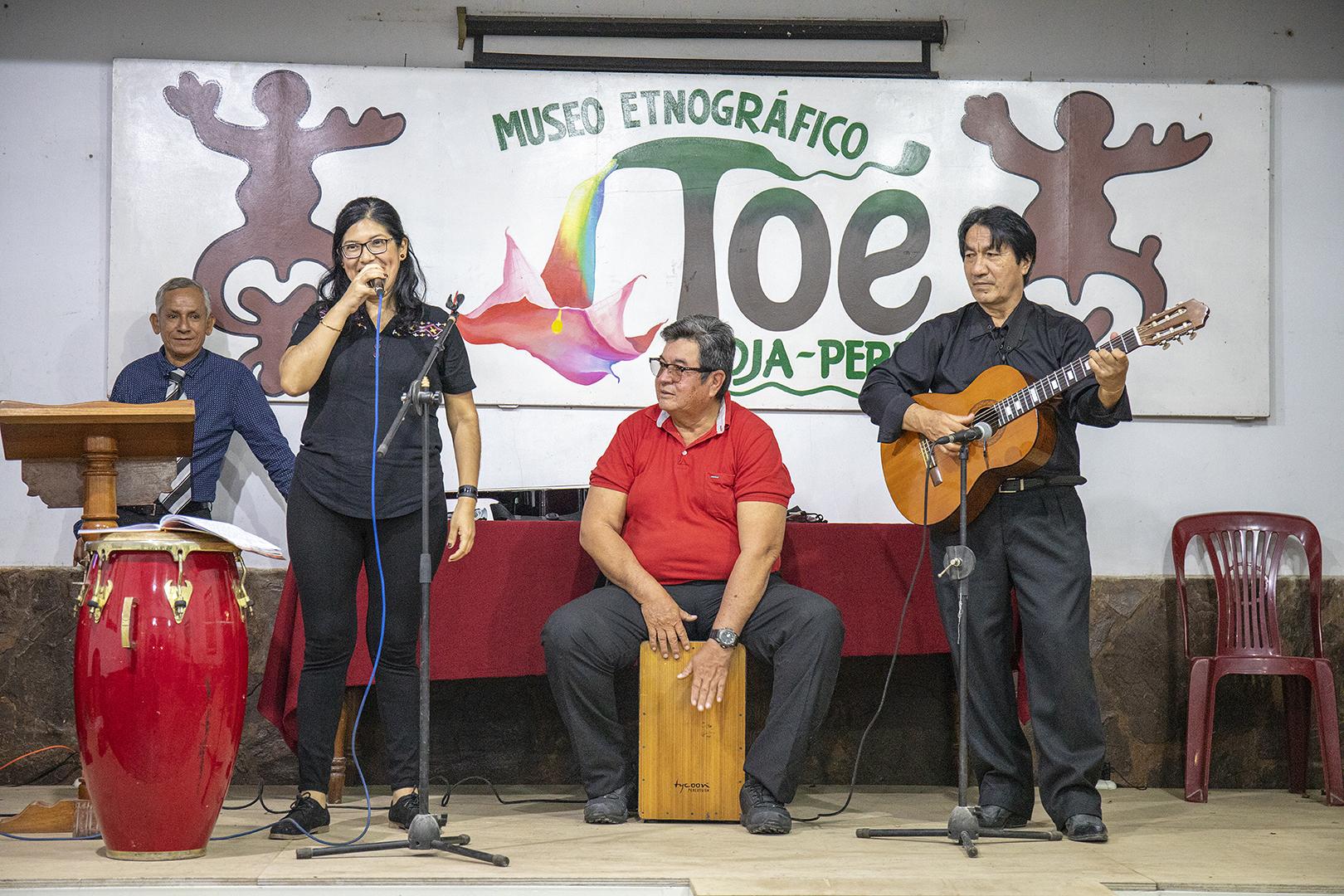 CON SHOW ARTÍSTICO I.E. SANTO TORIBIO DE RIOJA CELEBRÓ SU 74 ANIVERSARIO